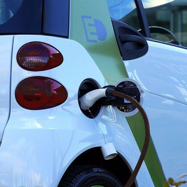 punto de recarga parking para coche electrico